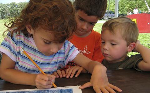 three kids 480